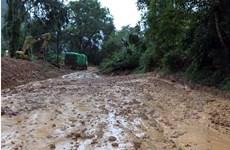 Điện Biên: Sạt lở gây ách tắc giao thông cục bộ trên Quốc lộ 279