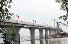 Chính thức hợp long cầu Cửa Hội nối 2 tỉnh Nghệ An và Hà Tĩnh