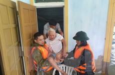 Mưa lớn tiếp tục ở Hà Tĩnh, Quảng Bình, hàng chục ngàn dân phải sơ tán