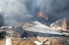 Bình Dương: Cháy ở cơ sở phế liệu, thiêu rụi 1000m2 nhà xưởng