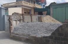 Thái Bình: Tường bao nhà dân đổ sập khiến nữ sinh lớp 6 tử vong