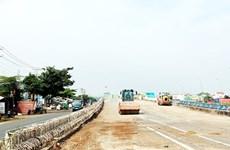 Đồng Nai: Công trình thi công cầu vượt Dầu Giây kéo dài gây bức xúc