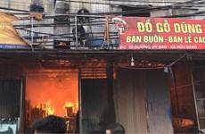 Hà Nội: Cháy lớn thiêu rụi nhiều nhà xưởng gỗ ở Thạch Thất