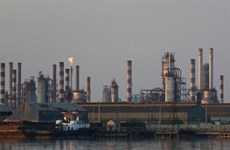 Tuần tăng giá thứ 5 liên tiếp, giá dầu áp sát ngưỡng 50 USD mỗi thùng