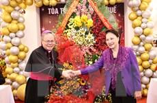 Chủ tịch Quốc hội mừng Giáng sinh Tòa Tổng Giám mục Tổng Giáo phận Huế