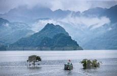 [Photo] Tiềm năng phát triển du lịch cộng đồng ở hồ Hòa Bình
