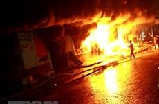 Yên Bái: Cháy chợ thị trấn Yên Thế lúc rạng sáng, 5 kiốt bị thiêu rụi