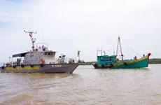 Kiên Giang: Tạm giữ chủ tàu chở 140.000 lít dầu không rõ nguồn gốc