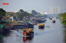 """TP.HCM: Đặc sắc ở Chợ Hoa Xuân """"Trên bến dưới thuyền"""" năm 2021"""