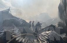 Bình Dương: Hỏa hoạn thiêu rụi nhiều kiốt tại thành phố Thuận An