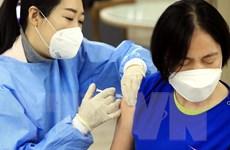Hàn Quốc cải tiến ống tiêm tiết kiệm vắcxin, Mỹ dùng vắcxin Johnson