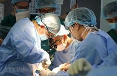 Bị hoại tử chỏm xương đùi, nam thanh niên 22 tuổi phải thay khớp háng