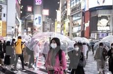 Nhật cân nhắc yêu cầu tất cả người nhập cảnh xét nghiệm biến thể mới