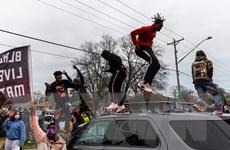 Tổng thống Mỹ phản đối biểu tình bạo lực sau vụ sát hại người da màu