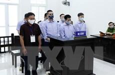 """Xét xử 4 bị cáo nguyên Thanh tra Giao thông bảo kê logo """"xe vua"""""""