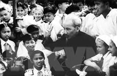 [Photo] Chủ tịch Hồ Chí Minh: Người Bác kính yêu vô cùng của thiếu nhi