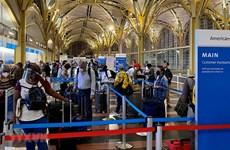"""Lượng khách tăng cao trong kỳ nghỉ lễ - """"phép thử"""" hãng hàng không Mỹ"""