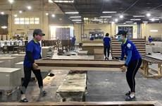 Hàng nội thất Việt bị áp thuế cao: Áp lực với nhà bán lẻ Canada