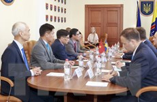 Đại sứ Nguyễn Hồng Thạch thăm làm việc tại tỉnh Odessa của Ukraine