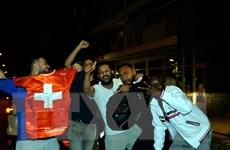 Người dân Thụy Sĩ đổ ra đường ăn mừng chiến thắng trước Pháp