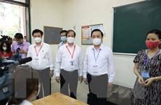 Bộ trưởng Giáo dục và Đào tạo kiểm tra công tác tổ chức thi ở Hà Nội