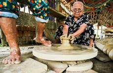 Khám phá nét tài hoa của người thợ gốm làng Thanh Hà