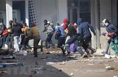 """Bất ổn chính trị tại Nam Phi: Nhân tố """"đổ thêm dầu vào lửa"""""""