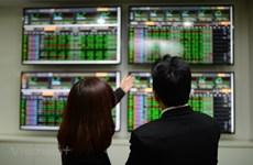 Thị trường chứng khoán ngày 30/8: Cổ phiếu y tế tràn ngập sắc tím