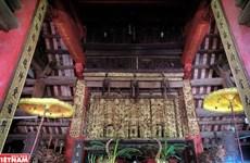 Kiệt tác kiến trúc cổ Việt Nam - Nghệ thuật chạm gỗ cửa võng đình Diềm