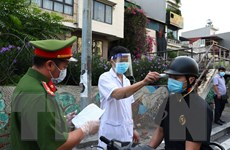 Hà Nội giải tỏa ùn tắc trong ngày đầu dùng giấy đi đường mới