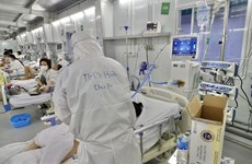 Bệnh viện Hữu nghị Việt Đức tiếp nhận và trao tặng máy tạo oxy
