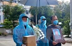 Cần Thơ: Bàn giao tro cốt người dân tử vong do dịch về với gia đình
