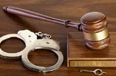 Phạt tù đối tượng người nước ngoài làm giả giấy tờ để cư trú tại VN