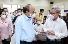 [Photo] Chủ tịch nước Nguyễn Xuân Phúc tiếp xúc cử tri huyện Hóc Môn