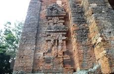 Về Tây Ninh ghé thăm tháp cổ Bình Thạnh hơn 1000 năm tuổi