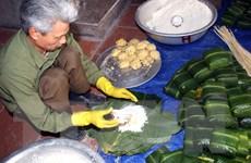 Bánh chưng ngày Tết và những nhọc nhằn của một nghề truyền thống