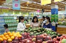 """Vì sao uy tín của hàng Việt trong lòng người tiêu dùng bị """"sứt mẻ""""?"""