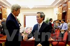 Trưởng ban Kinh tế Trung ương Nguyễn Văn Bình tiếp ông John Kerry