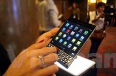 BlackBerry Passport lên kệ tại Việt Nam với giá 15,5 triệu đồng