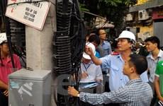 [Photo] Chấn chỉnh tình trạng lắp đặt sai đường dây, cáp đi nổi