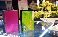 """Pin sạc dự phòng nhỏ bằng thẻ tín dụng, dung lượng """"khủng"""" lên kệ"""