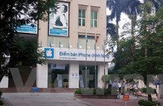 Hà Nội: Không còn cảnh xếp hàng từ đêm mua iPhone chính hãng
