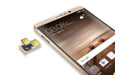 """Huawei tung smartphone camera kép, pin """"khủng"""" sạc đầy chỉ 20 phút"""
