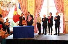 Việt Nam và Pháp hợp tác phát triển công nghệ vũ trụ, sở hữu trí tuệ