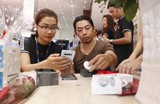 [Photo] Cận cảnh 'siêu phẩm' Galaxy S10 chính hãng tại Việt Nam