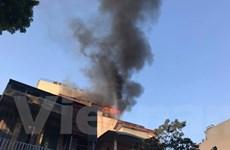 Hà Nội: Cháy lớn tại quán karaoke Nhất Thống trên phố Thi Sách