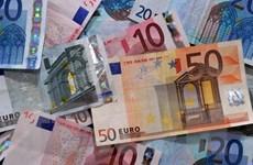 Euro vững giá trước khi Hy Lạp công bố chương trình cải cách