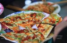 """Thưởng thức món """"Pizza Việt"""" ngon tuyệt của người dân Đà Lạt"""