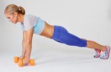 Sáu bài tập luyện để có tấm lưng trần săn chắc và gợi cảm