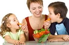 Dạy trẻ đọc nhãn thực phẩm để ăn uống lành mạnh, chống béo phì
